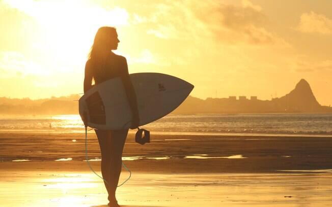 Já para aquelas que surfam ou praticam bodyboard, por exemplo, uma boa opção pode ser o protetor em bastão