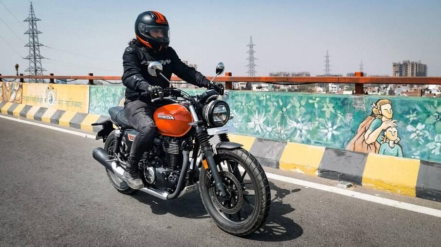 Honda CB 350 RS, a café racer acessível