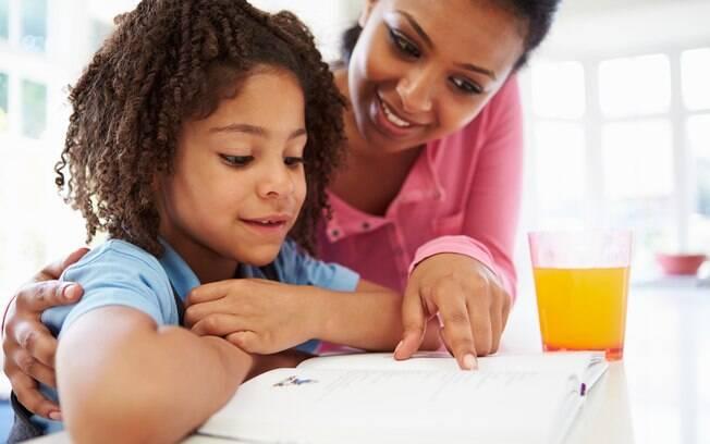 Os pais devem se envolver no aprendizado de outro idioma