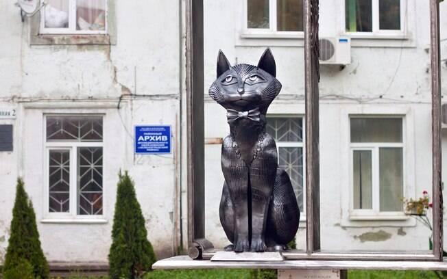 Uma das estátuas de gatos em Zelenogradsk