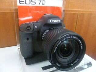 Câmeras Reflex, como o modelo EOS 7D, estão mais populares, diz Canon