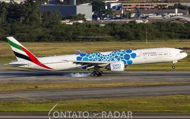 Emirates deverá contratar 3.000 tripulantes e 500 funcionários aeroportuários