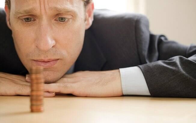Medo de perder o emprego e ficar pobre é comum entre homens, dizem especialistas