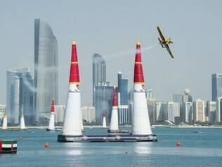 Barros completou sua volta no circuito aéreo de Abu Dhabi com o tempo de 1min6s736.