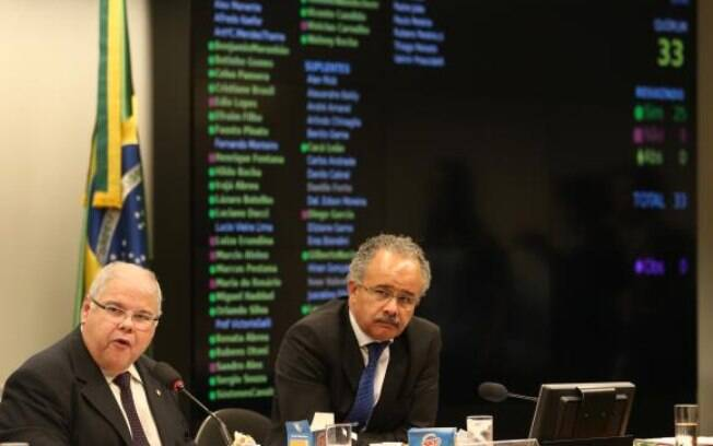 Deputado Vicente Cândido (à dir.) é o relator da reforma política na Câmara