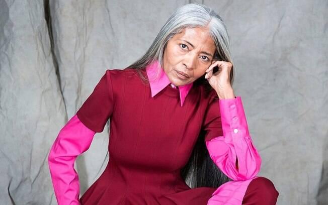 JoAni Johnson, de 67 anos, é a modelo escolhida para participar da campanha da grife comandada por Rihanna, a Fenty