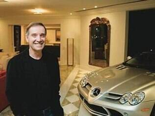 Eike Batista vende Lamborghini que ficava estacionada em sua sala