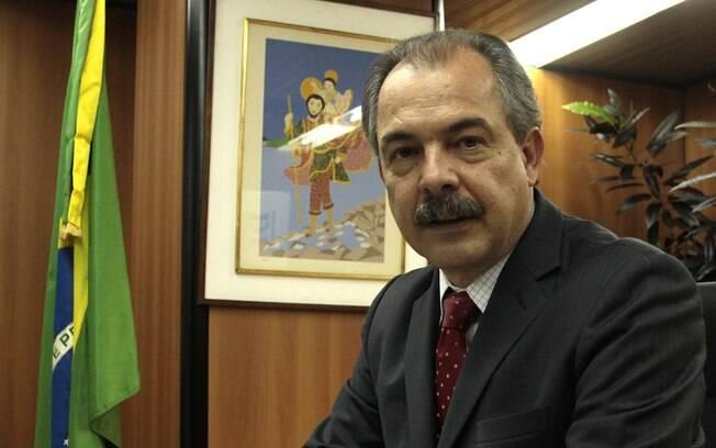 O ministro da Casa Civil, que procurou minimizar problemas causados pelo PMDB no Congresso