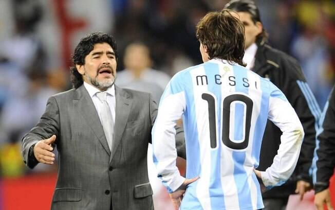 Maradona foi treinador de Messi na Copa do Mundo de 2010