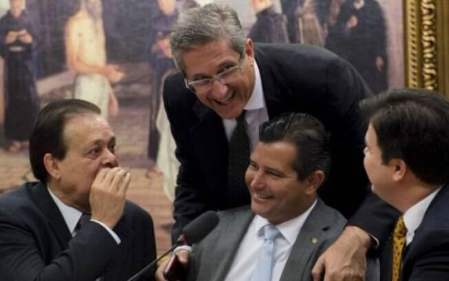 Após adotar medidas para atrasar instalação da comissão de impeachment, Cunha trabalha para acelerar seu funcionamento