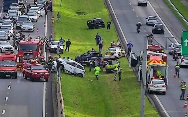 Acidente envolvendo cinco veículos deixa seis pessoas feridas no Anel Viário
