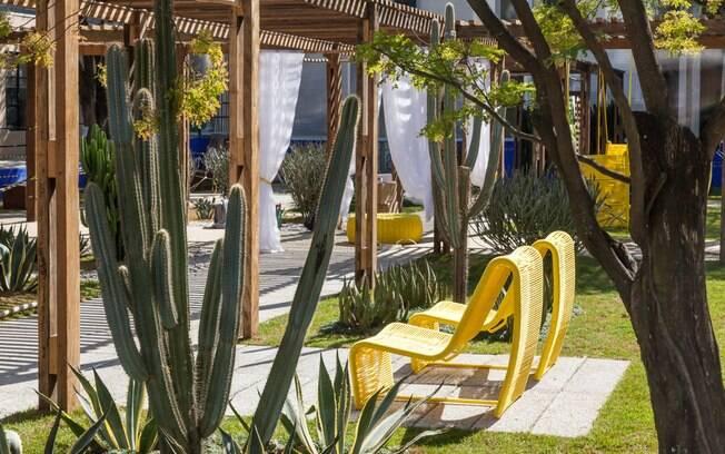 O paisagista Marcelo Faisal criou um jardim 100% sustentável, com epécies que exigem pouca água