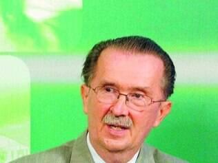 David Fleisher questiona crescimento do tucano em Minas Gerais
