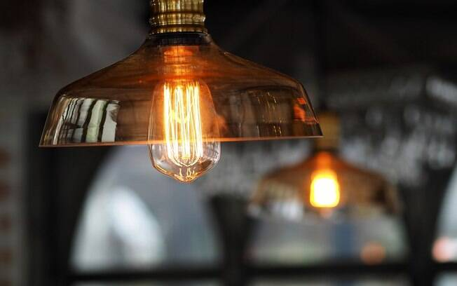 Conta de luz contará na hora de pedir empréstimo; veja novo horário da Enel