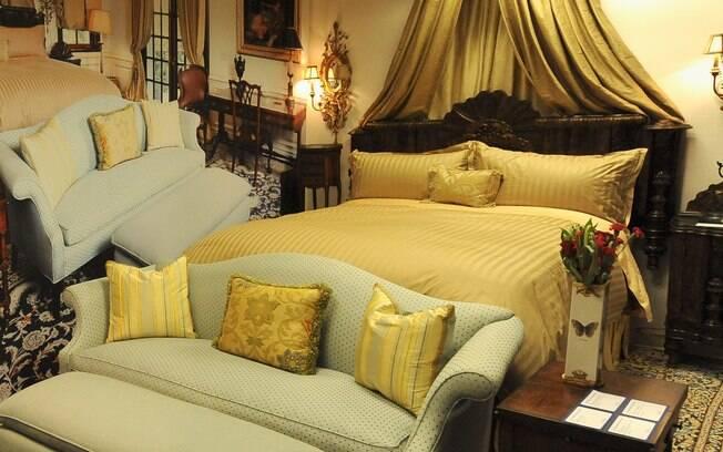 O cama onde o cantor morreu devido a uma overdose do anestésico propofol