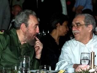 Vencedor do Nobel de Literatura, Gabriel Garcia Marquez se encontra com o ex-presidente de Cuba, Fidel Castro