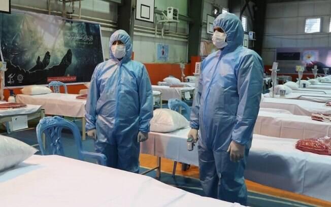 Irã tenta frear coronavírus após milhares de mortes