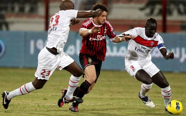 Melhor desempenho de Pato no Milan foi na  temporada 2008/09, quando fez 18 gols