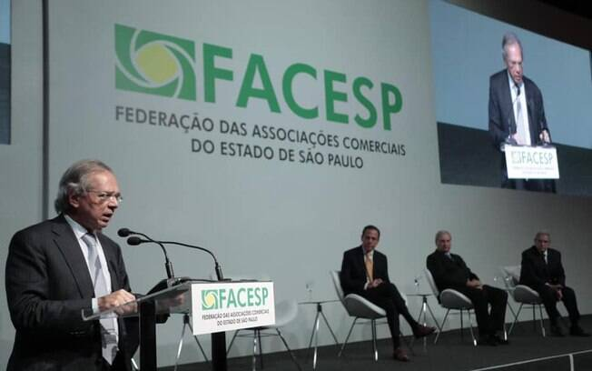 Ministro Paulo Guedes participou da cerimônia de posse da nova diretoria da Facesp