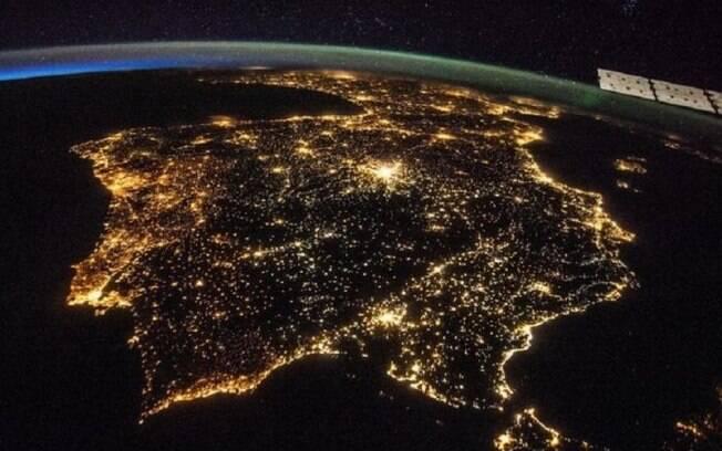 Península Ibérica à noite