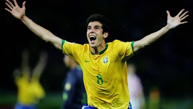 Decisivo em 2006, Kaká corre para voltar à Copa
