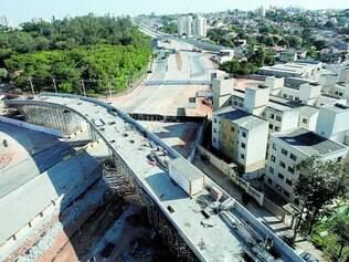 Viaduto. Uma das alças do Batalha dos Guararapes caiu em 3 de julho