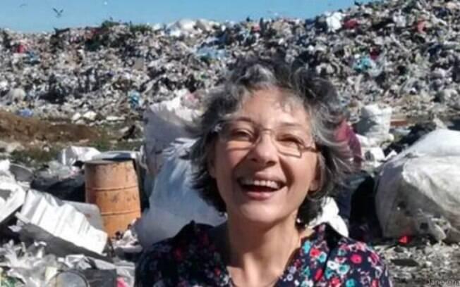 Bernarda já adotou quatro crianças mortas e está tentando adotar mais uma