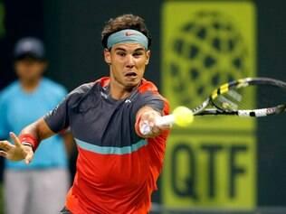 Rafael Nadal vem encontrando dificuldades para bater seus adversários em Doha, mas mesmo assim chegou à final