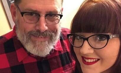 Mulher se casa com o sogro após se divorciar do marido