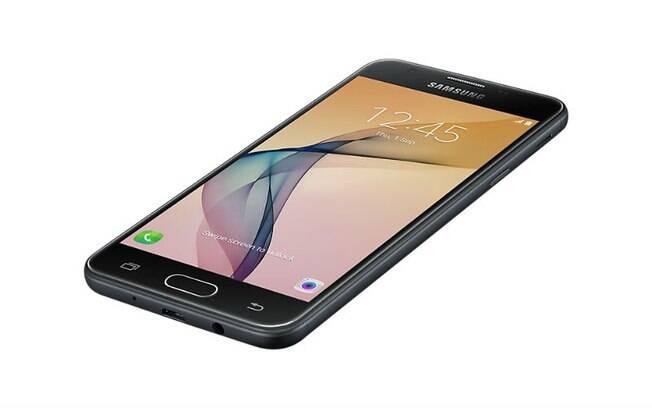 Galaxy J5 Prime oferece três opções de cores: preto, branco com dourado e branco com rosa