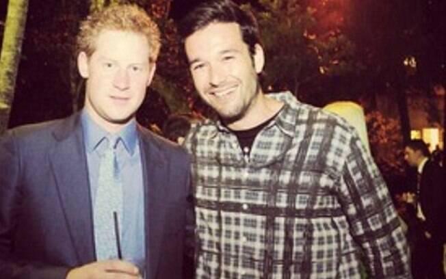 Sérgio Marone postou em seu Instagram uma foto ao lado príncipe Harry