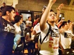 Militantes a favor e contra a presidente Dilma Rousseff discutiram em Montes Claros