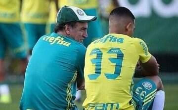 """""""Gabriel Jesus não sai do Palmeiras até o final do ano"""", garante o técnico Cuca"""