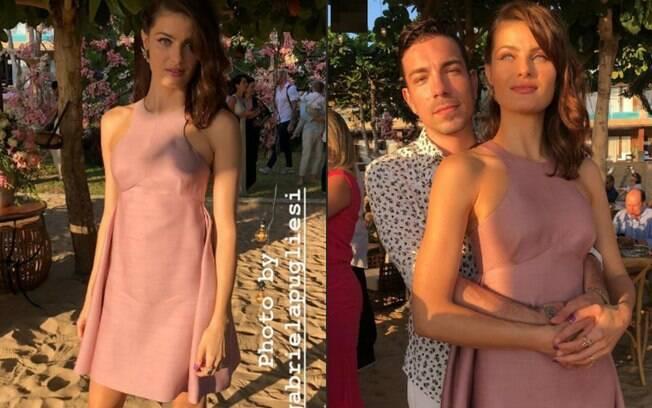 Look das famosas: Isabeli Fontana foi ao casamento com um vestido curto em um tom rosa pastel