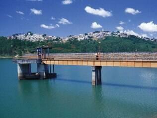 Imagem da represa Atibainha, abastecida pelo sistema Cantareira e foco da campanha