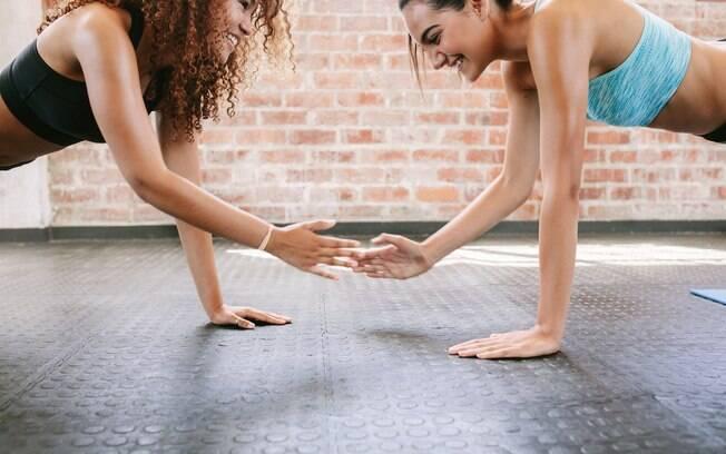 Ter um profissional que te motiva ao longo do treino GRIT é essencial para completar a aula, que leva o aluno à exaustão