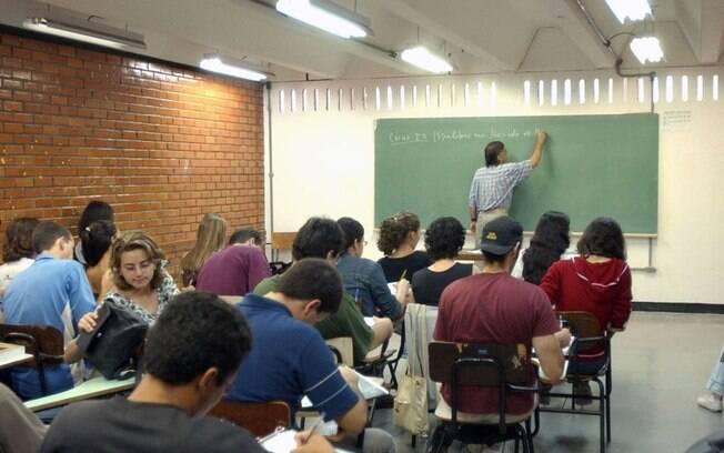 Devido à impossibilidade de executar aulas no modo presencial, ano letivo poderá ser flexibilizado