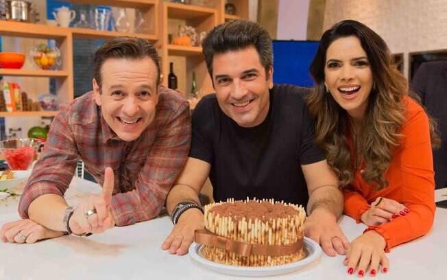 Edu Guedes comemorou seu aniversário em uma festa surpresa durante gravação do