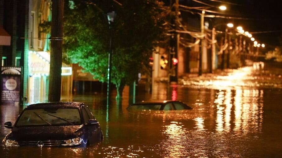 EUA: Nova York amanhece inundada e com 9 mortes em decorrência da tempestade Ida