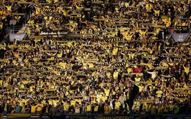 A torcida do Borussia marcou presença em  Wembley