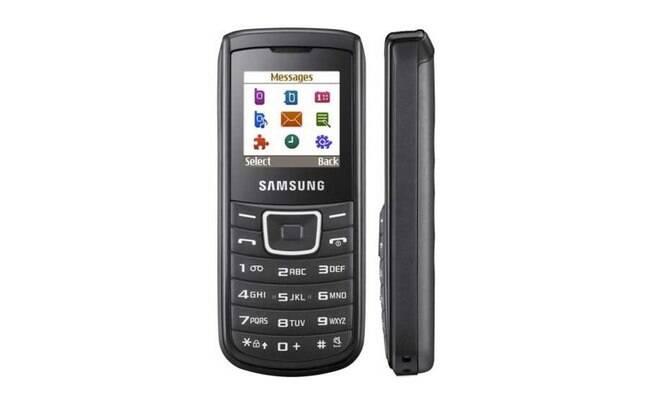Apesar de ultrapassado, o Samsung E1100 vendeu cerca de 150 milhões de unidades.