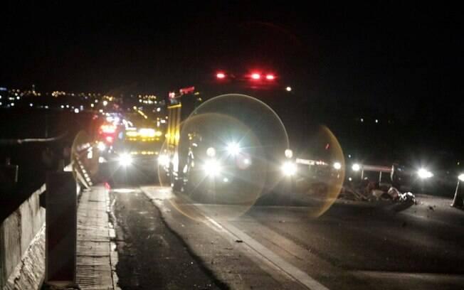 Acidente com quatro veículos bloqueia Rodovia D. Pedro I
