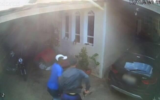 Vítimas são feitas reféns em assalto no Jd. Aliança