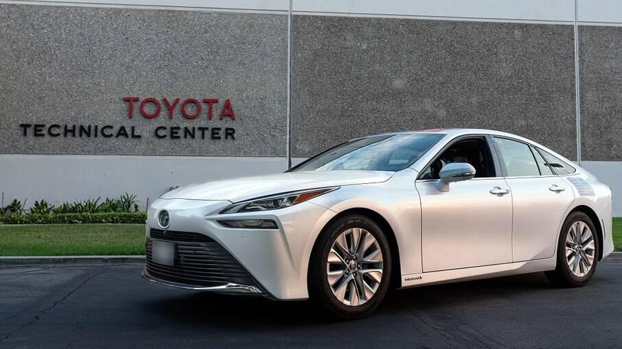 Toyota Mirai rodou 1.360 km sem reabastecimento e consumiu um total de 5,65 kg de hidrogênio.