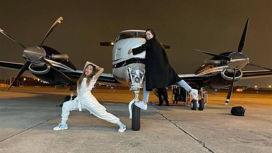 Anitta e Juliette pegaram um jatinho para voar do Rio de Janeiro para São Paulo
