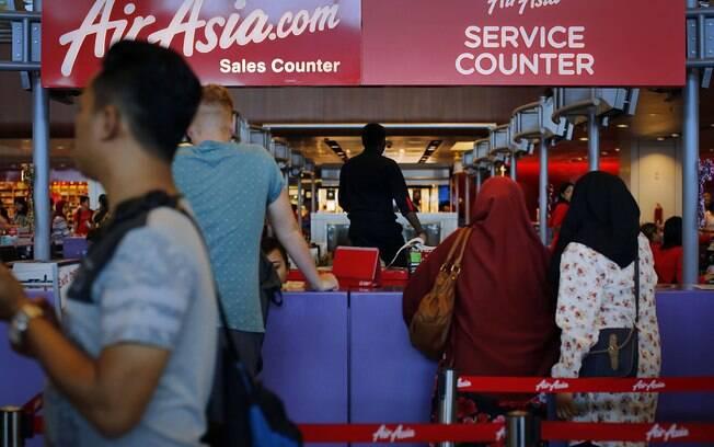 Passageiros e tripulação somam 162 pessoas no voo da AirAsia. Foto: AP Photo/Wong Maye-E