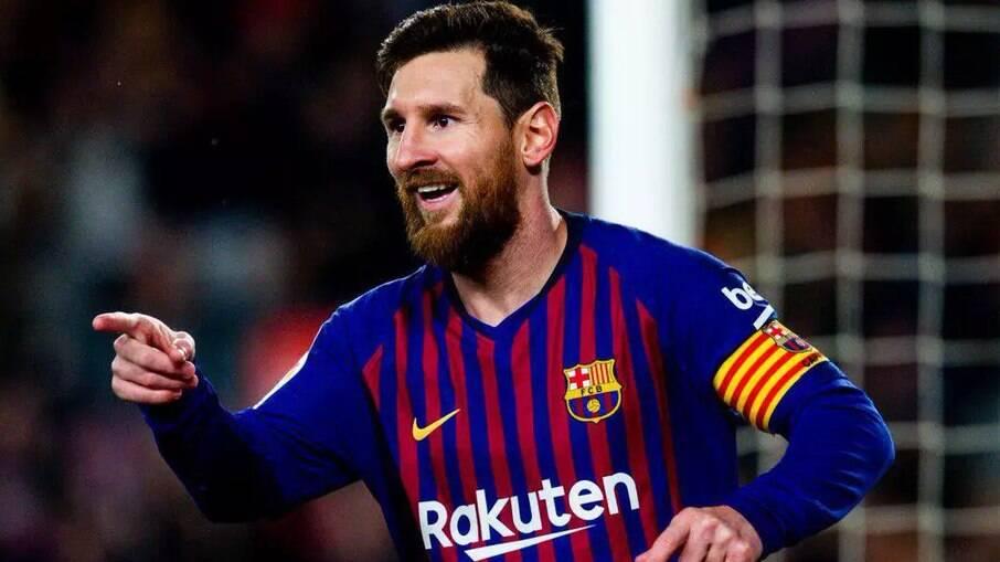 Messi reúne companheiros de Barcelona para confraternização