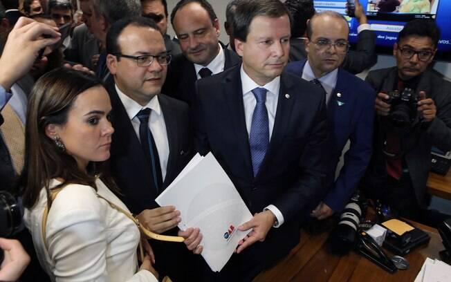 Presidente nacional da OAB, Claudio Lamachia, com pedido de impeachment contra Michel Temer