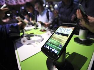 Aparelhos com Android, como o HTC One X, dominam o mercado