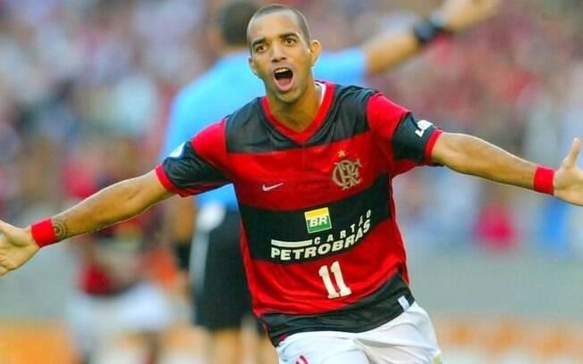 Diego Tardelli já passou pelo Flamengo e hoje está no Grêmio
